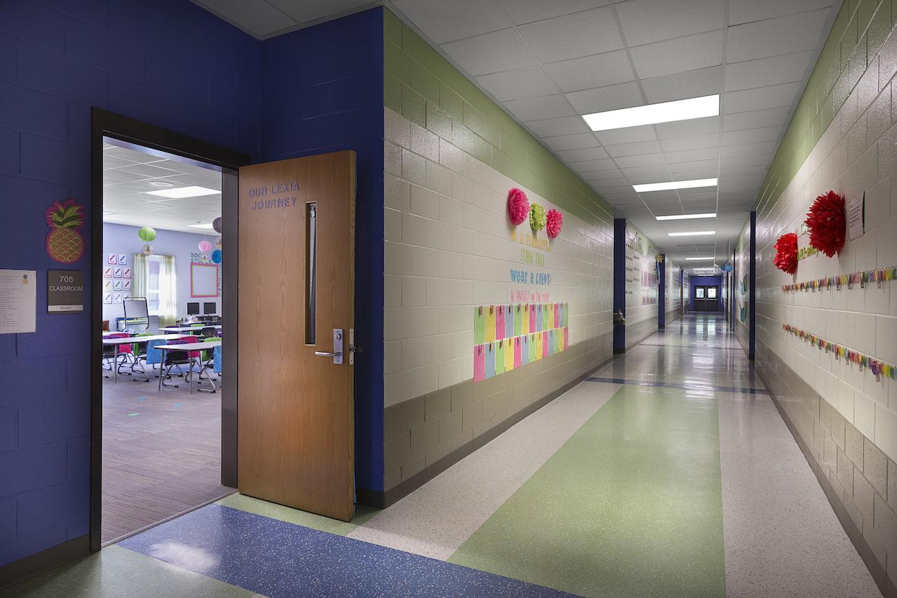 school 1380×860